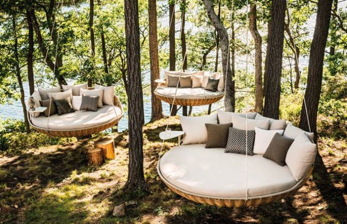 Designer Garden Furniture to Inspire a New Spring Look - Dedon Swingrest