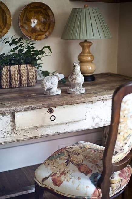 5 Space Saving Ideas For The Bedroom - Shabby Chic Desk