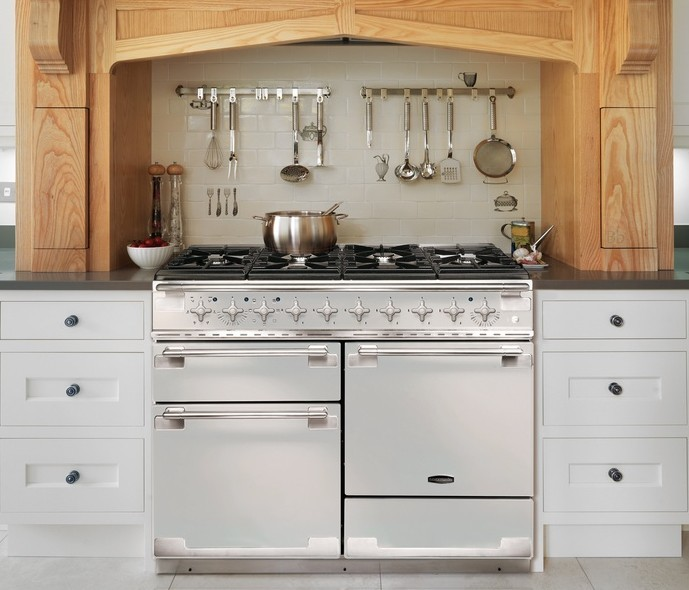 10 Interior Design Items Proud To Be 'Made In Britain' - Rangemaster Elise in ice white and brushed stainless steel trim