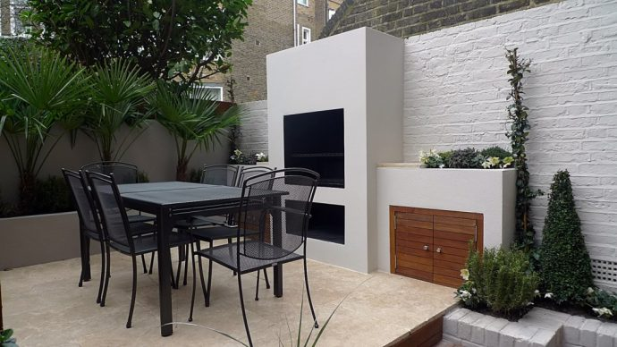 How to style your home to sell - Statement Garden - Image By London Garden Blog