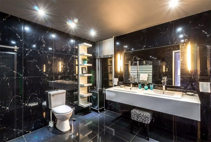 6 clever tricks to add light and space to a small bathroom