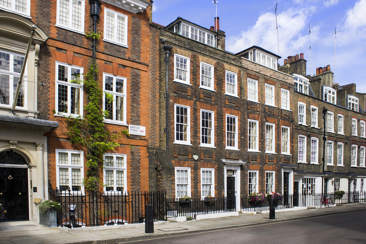 London architectural styles facades and interiors for Architecture londres