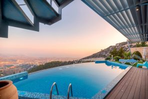 7 Luxury Pools & How To Get More Luxury For Your Money