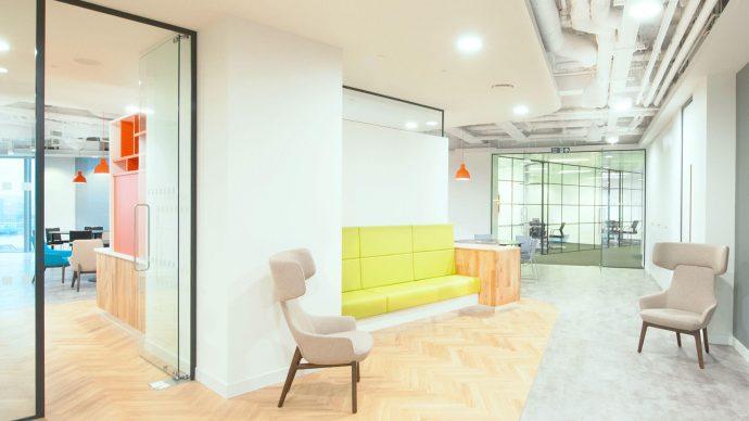 Walls Of wellbeing: Calm Contemporary Office Decor - Image Via maris-interiors.co.uk - Gorkana-Group Office