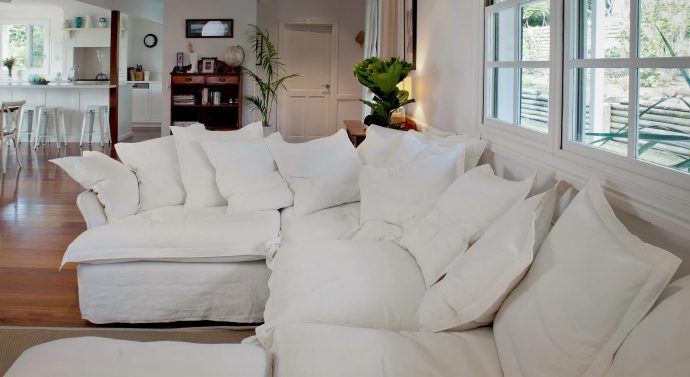 The Benefits Of A Bespoke Sofa  - White Corner Sofa - Image Via MakerAndSon.com